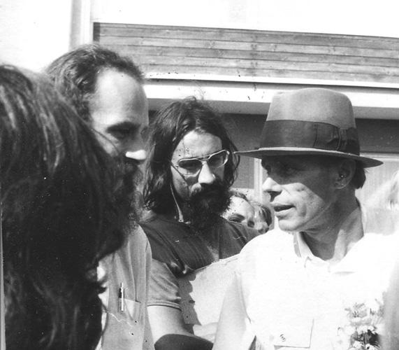 Joseph Beuys in Achberg (1973), Fotografie von Rainer Rappmann