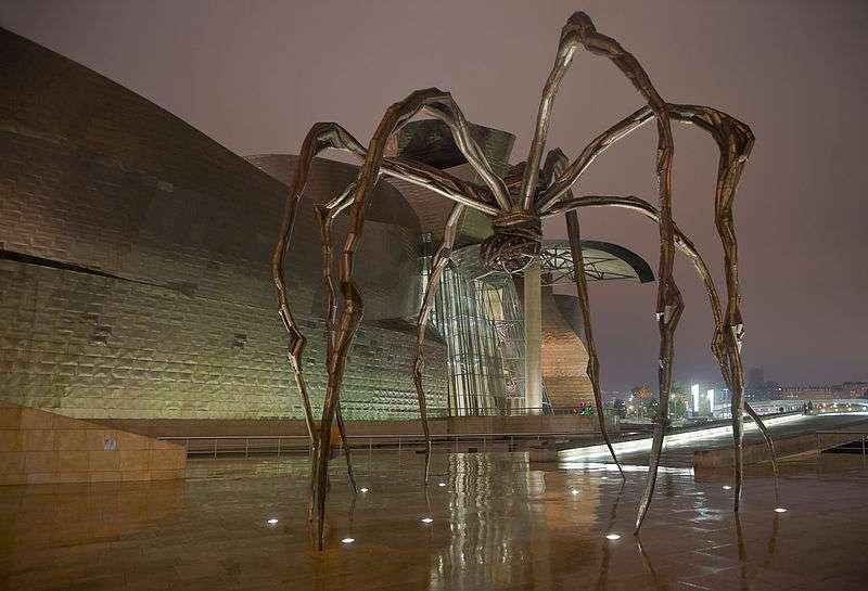 Die Spinnenskulptur Maman von Louise Bourgeois in Bilbao