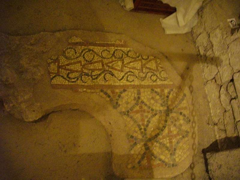 Merowingisches Mosaik in der Cathédrale Sainte-Croix d Orléans