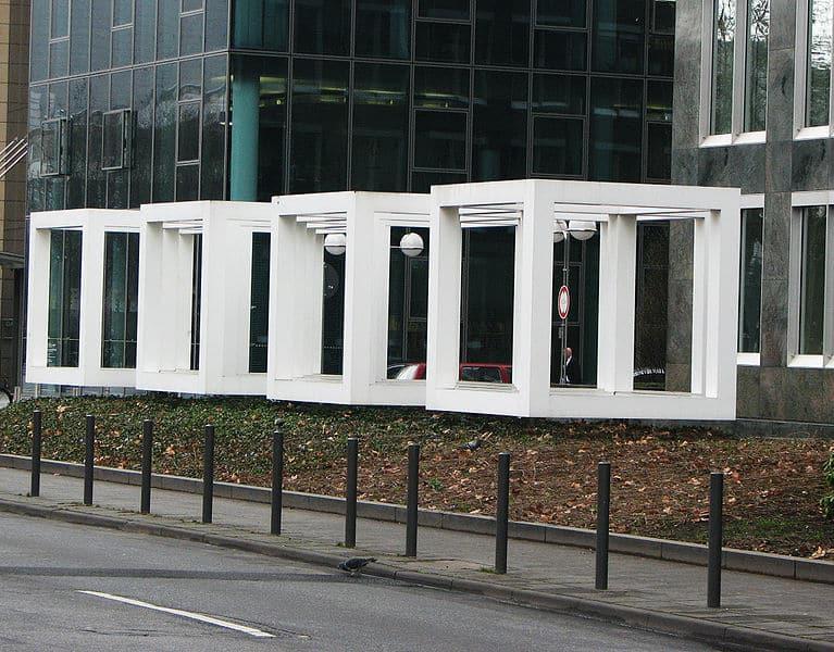 """""""White Cubes"""" von Sol LeWitt, 1991 in Frankfurt/Main"""
