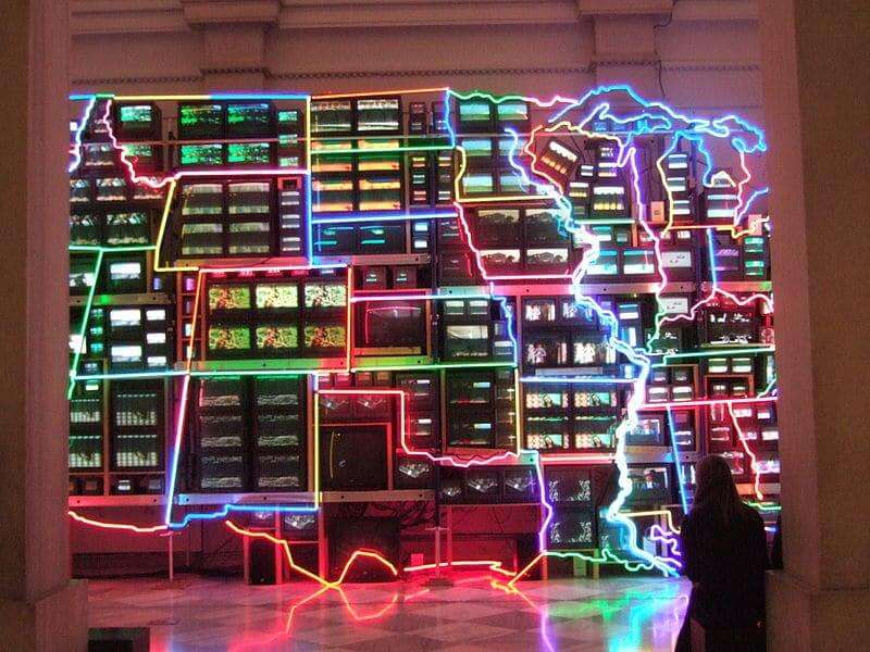 "Der ""Electronic Superhighway"" von Nam June Paik"