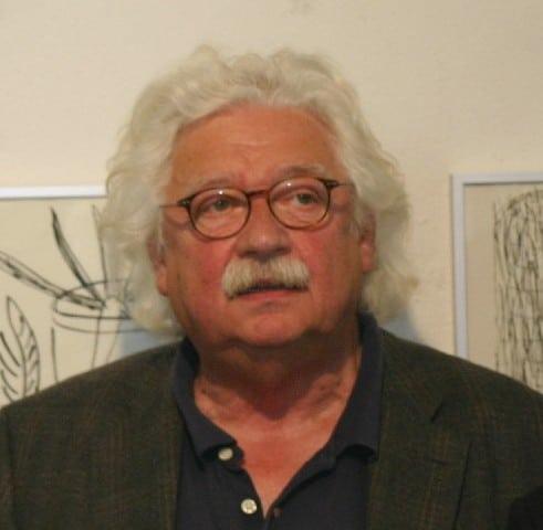 Der Maler Peter Herrmann während einer Ausstellungseröffnung in Altlangsow (Brandenburg). 2012.