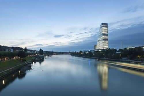 Panorama Basel mit Roche Turm © Basel Tourismus