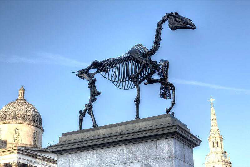 Gift Horse von Hans Haacke, Trafalgar Square, London