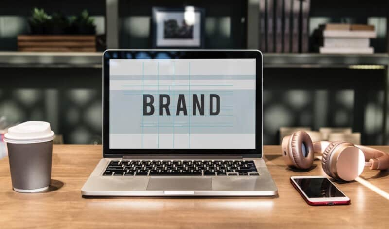 Eigene Marke mit einem kleinen Budget kreieren und aufbauen