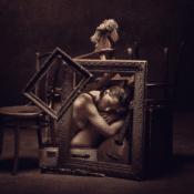"""Buried III"" – Konzeptuelle Fotografie von Peter Zelei als limitierter Giclée Print"