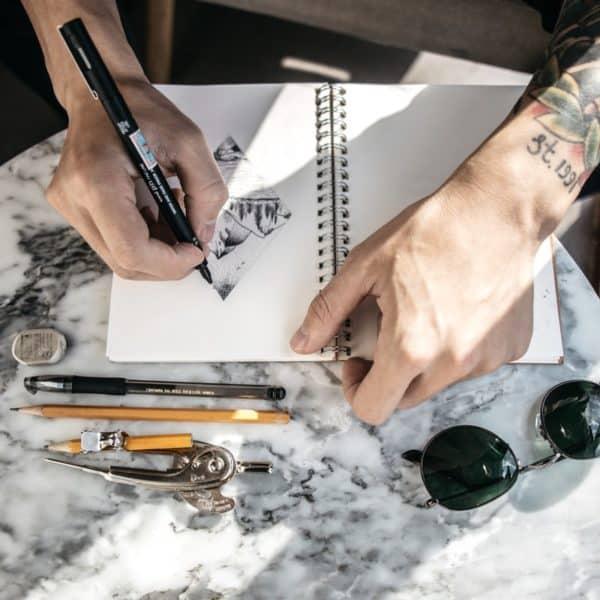 Menschen entspannen beim Zeichnen sichtlich - Guter Zeichner auch ohne Talent möglich?