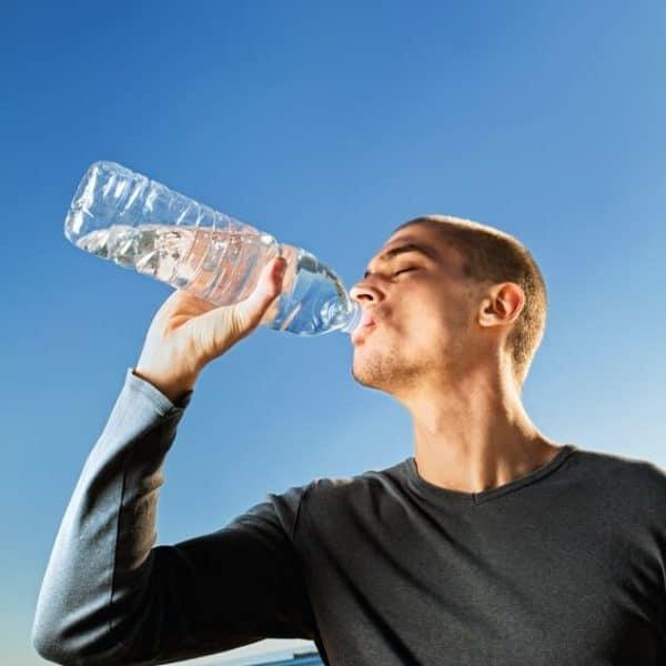 Was hat Wasser trinken mit Kreativität zu tun?